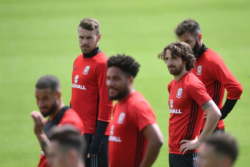Tiền vệ: Chờ Ramsey trở lại